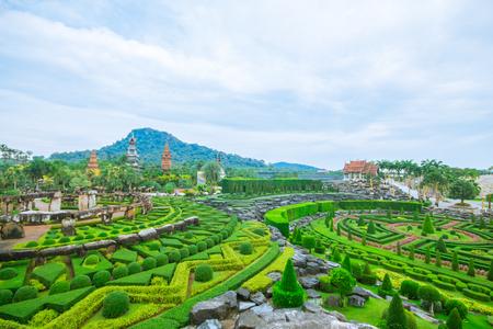 Pattaya, THAILAND, April 2017 : Stoneheng nad french garden at Nong Nooch Garden Pattaya. Redactioneel