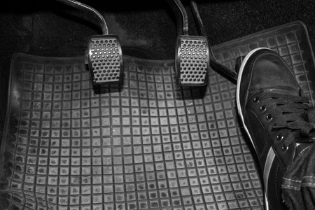 Foot while driving pedal to control the speed of the drive. Banque d'images - 120090709