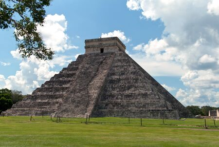 kukulkan: El Castillo or Kukulkan, the main Pyramid in Chichen Itza