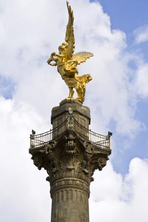 angel de la independencia: Monumento al Ángel de la Independencia, en el Paseo de la Reforma en México