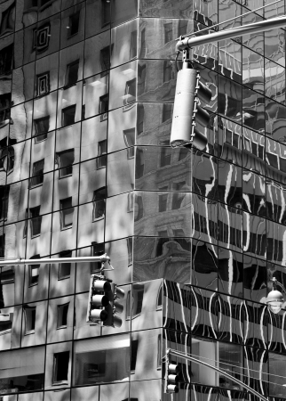 blanco: New York city streets, reflections on buildings