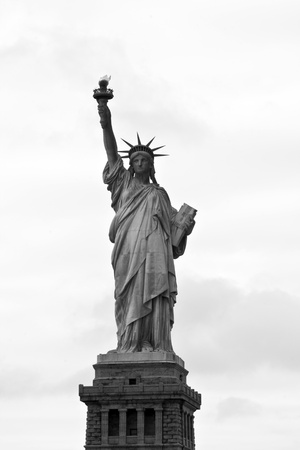 blanco: Iconic Statue of liberty in Liberty Island, New York, USA