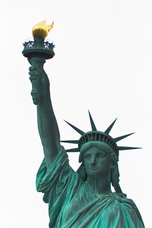 liberty island: Vista frontale della iconica statua della libert� a Liberty Island, New York, Stati Uniti d'America Archivio Fotografico