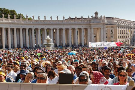 st  peter's square: Rome, Italy - September 3, 2016: Crowd in St. Peters Square, on the occasion of the sanctification of Mother Teresa of Calcutta.