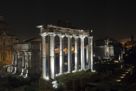 severus: The Roman Forum photographed at night with artificial lights.The Roman Forum: in the foreground the Temple of Saturn, to the left of the Arch of Septimius Severus.