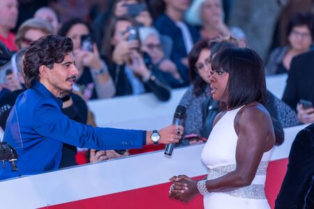 Roma, Italy. 26th Oct, 2019. Viola Davis and her husband JuliusTennon on the red carpet of the 14th Rome Film Festival before her close encounter.