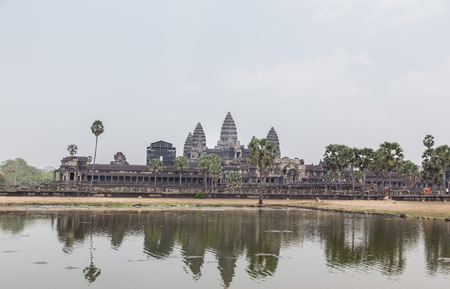 humanismo: Angkor Wat temple near Siem Reap in Cambodia