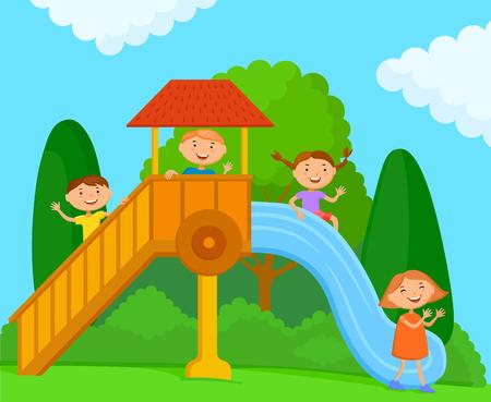 Kinder spielen auf dem Spielplatz auf der Natur. Eine Gesellschaft von Kindern in heller Kleidung reitet auf einer Kinderrutsche Standard-Bild - 79162137