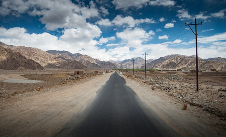 seson: Direct road in the town of Leh, Ladakh.