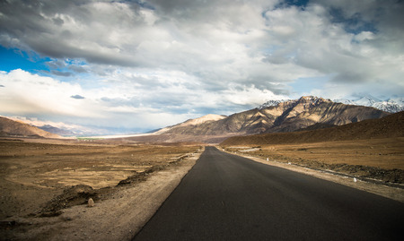 seson: Routes in Ladakh Overlooking the beautiful