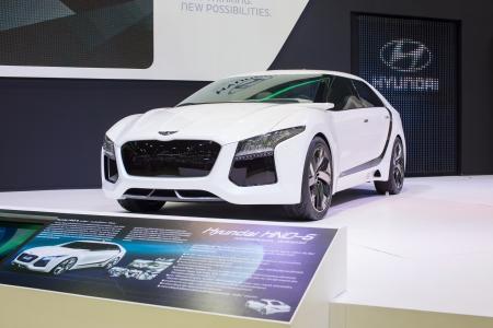 new thinking: Bangkok - 3 dicembre concept Hyundai nuovo di pensare nuove opportunit� al 30 � Thailand International Motor Expo il 3 Dicembre 2013 a Bangkok, Thailandia
