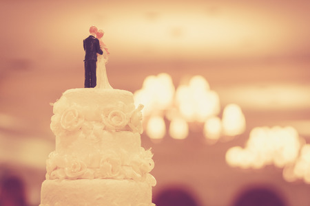 Hermoso pastel para la ceremonia de la boda Foto de archivo - 30860478