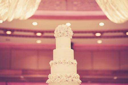 vintage bride: Beautiful Cake for Wedding Ceremony