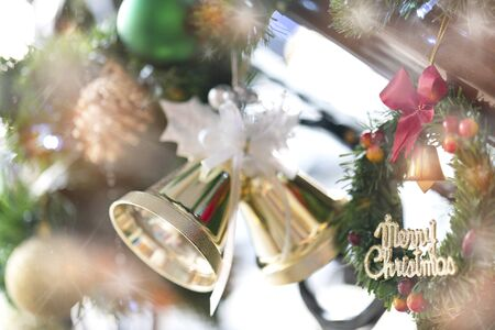 Merry Christmas and Happy New Year. Decorating christmas tree at home. Backgound of Decorating Christmas. Banco de Imagens