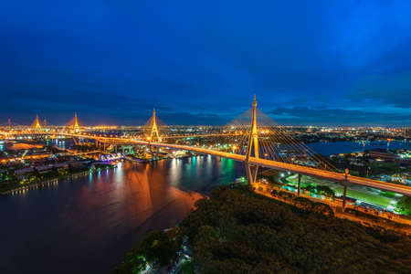 Bangkok city scape. The Bhumibol Bridge at twilight official name The Industrial Ring Road Bridge, Bangkok Thailand Stockfoto