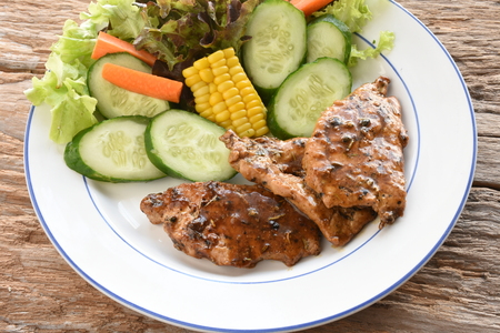 Pepper steak.Richly seasoning pork with sauce and pepper.