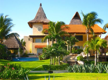 Mansion in Tropical Vacation Resort Stock Photo - 3001781