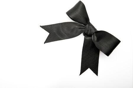ruban noir: black ribbon bow isolated on white background