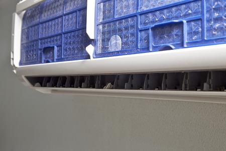 air filter: Clean air conditioner