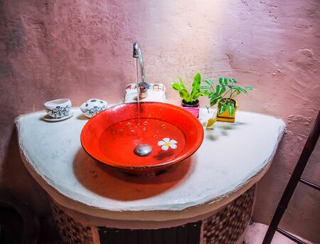 Spa washbasin