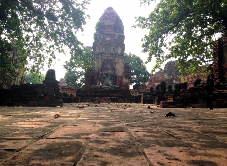 ruin of the temple Wat Mahathat in Ayutthaya, Thailand  photo