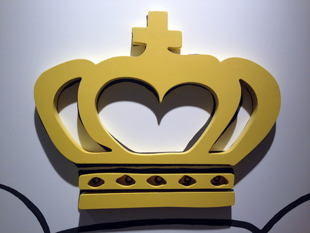 yellow Crown photo