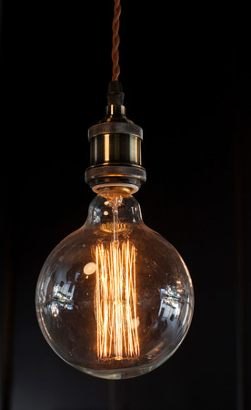 interior lighting: Lighting decoration with vintage bulbs - eclectic interior