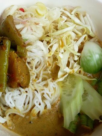 vermicelli: Fideos de arroz con curry picante. Foto de archivo