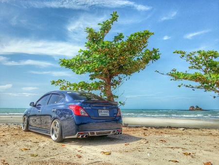 chrome: Car at beach