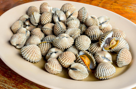 cockles: Blanched cockles