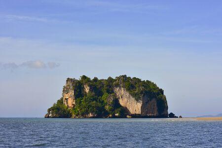 whitehaven beach: limestone in the sea