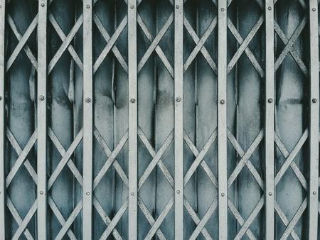 grid: Door
