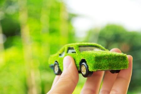 手を保持しているエコ コンセプトカーのアイコン