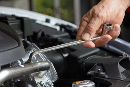 motor coche: Mecánico profesional, el concepto de reparación de automóviles Foto de archivo