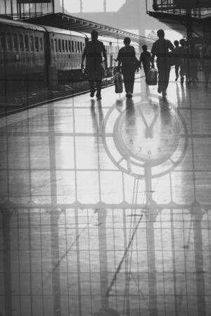exposicion: Estación de tren en la exposición Doble Foto de archivo