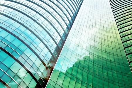 building: doble exposición del edificio de oficinas moderno
