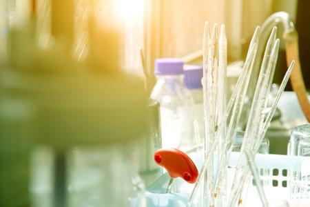 medical laboratory: Laboratory glassware