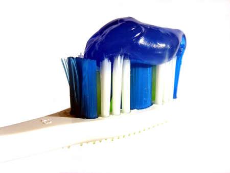enjuague bucal: Cepillo de dientes con pasta de dientes con una mezcla de lavar la boca.