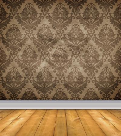 Lege ruimte met shabby damast behang en kale houten vloer