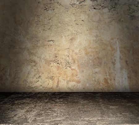 Grungy chambre tachée en béton avec des murs nus Banque d'images - 12726404