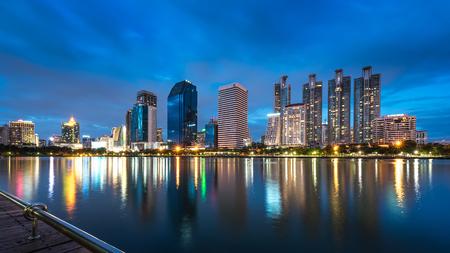 benjakitti: Cityscape - Bangkok Skyscrapers with its reflection taken from Benjakitti Public Park