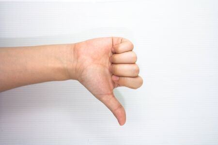 thumb up hand sign