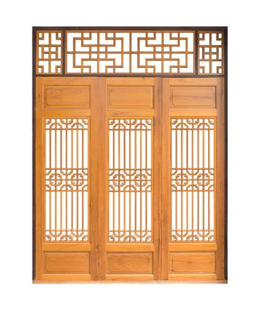 Traditionele Aziatische ramen en deuren patroon, Chinese stijl houten deur met het knippen van weg, op een witte achtergrond Stockfoto