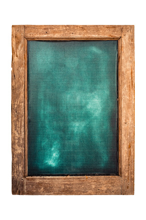 Grüne Menütafel mit Holzrahmen für Restaurant- oder Ladenetiketten. isoliert auf weißem Hintergrund mit Beschneidungspfad. Standard-Bild