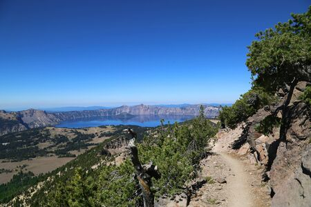 crater: Hiking trail at Crater Lake National Park