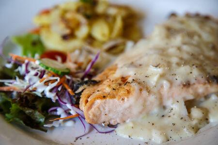 ステーキ、魚の栄養価の高い、おいしい料理と、世界中で親しまれています。 写真素材