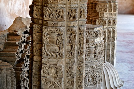 india - rajasthan - jaipur -march 28, 2018, there are some broken stone pole carving on it. 에디토리얼