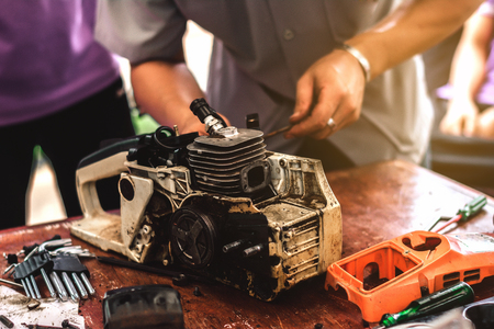 A mechanic is old engine repair.Can be used again.