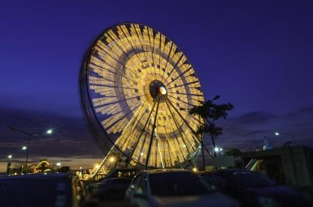 The big ferris wheel with blue sky