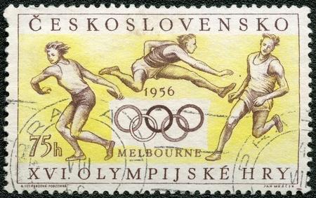 deportes olimpicos: Checoslovaquia - CIRCA 1956: Un sello impreso por Checoslovaquia dedicada Juegos Olímpicos de Verano, Melbourne, 22 noviembre-8 diciembre 1956, serie, alrededor del año 1956